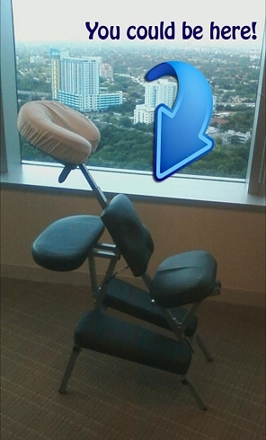 massage_chair_with_arrow